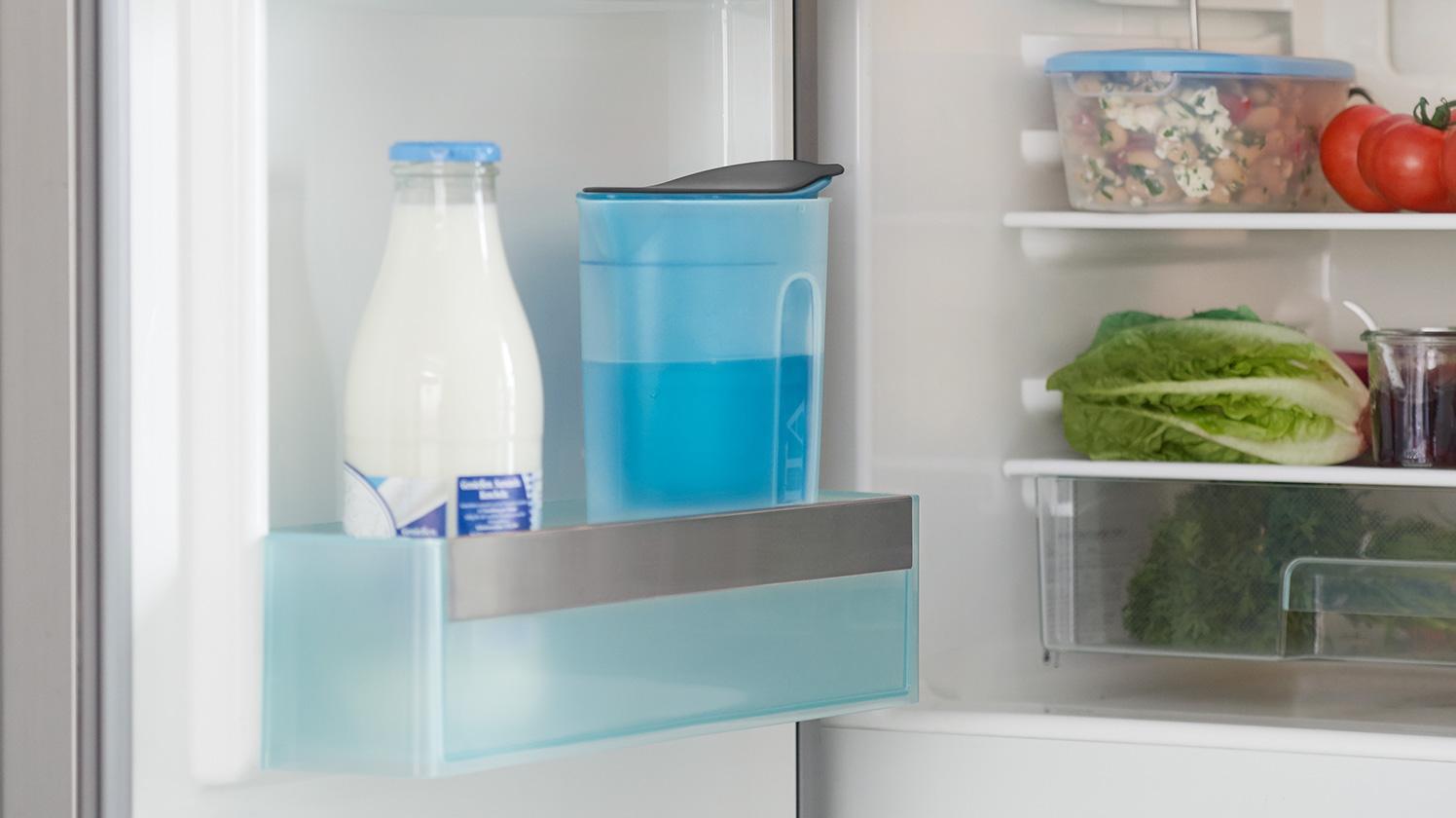 BRITA fill&enjoy Fun blue: Kühlschrank in Küche