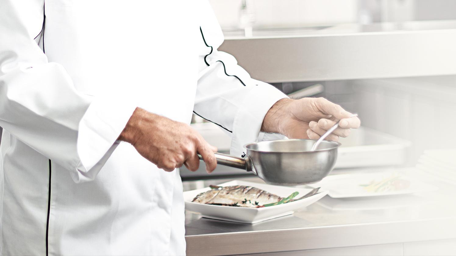 BRITA gehobene Küche Koch