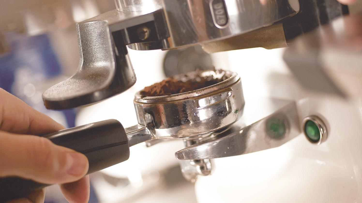 Filtro BRITA AquaAroma Crema preparación de café