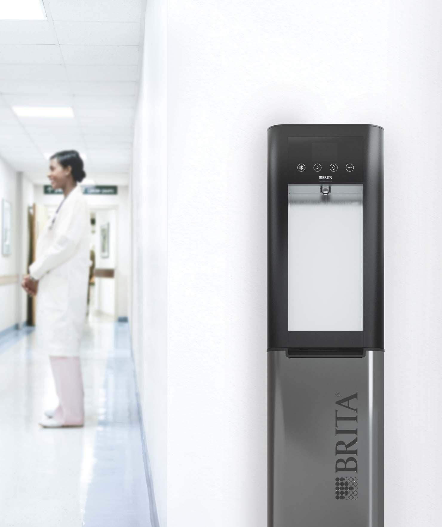 BRITA dystrybutory wody dla szpitali – korytarz