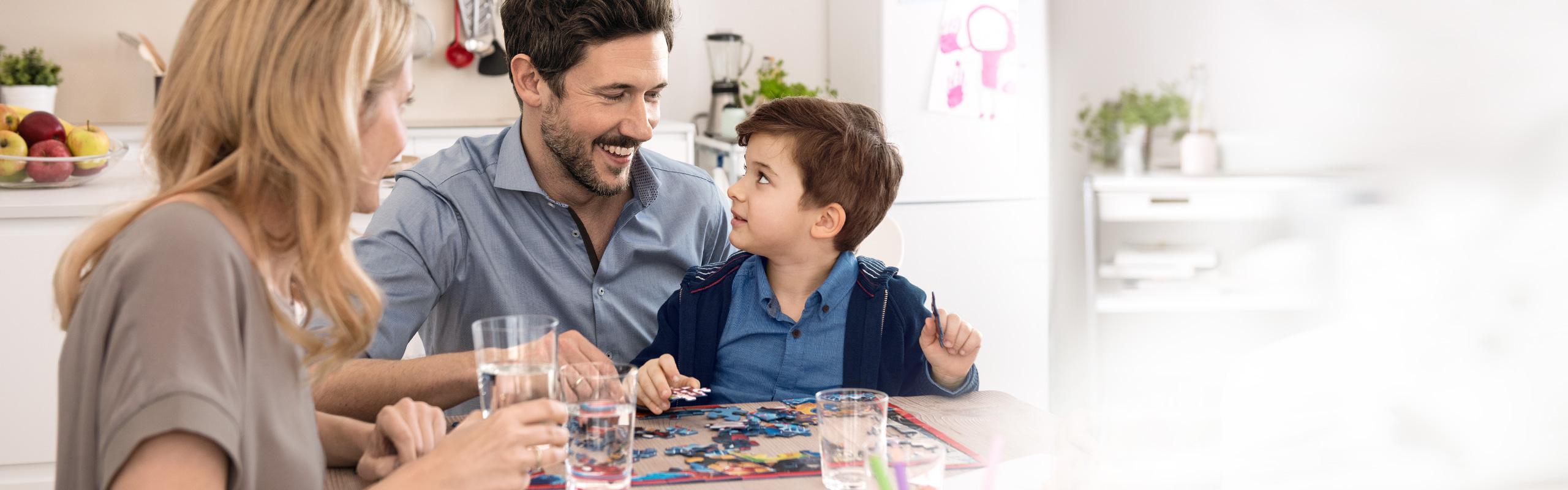 BRITA waterfilters en patronen blij gezin