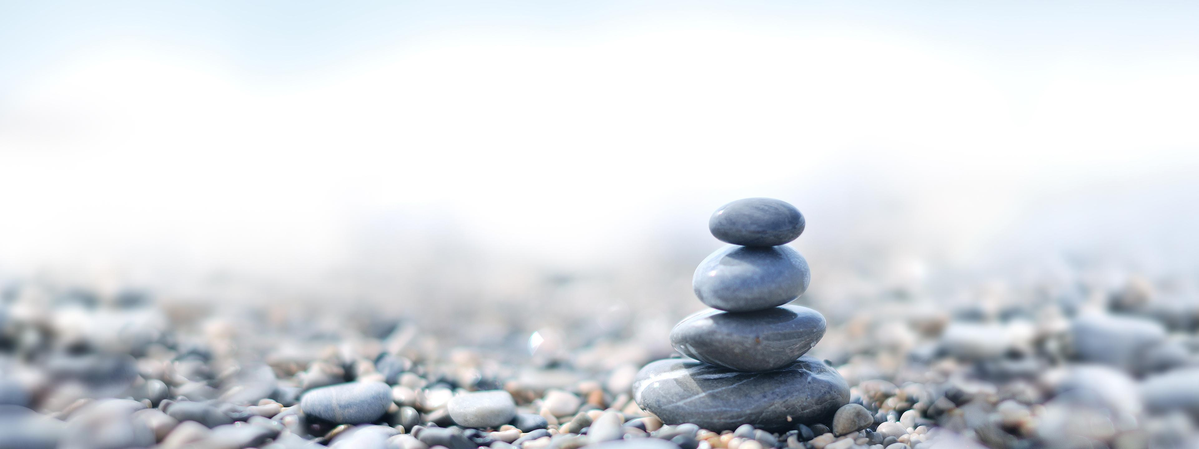 BRITA zrównoważony rozwój wieża z kamieni