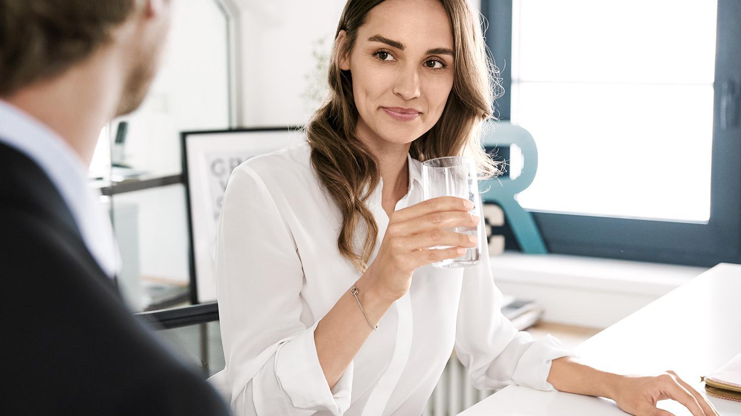 dispensador de agua BRITA refresco en la oficina