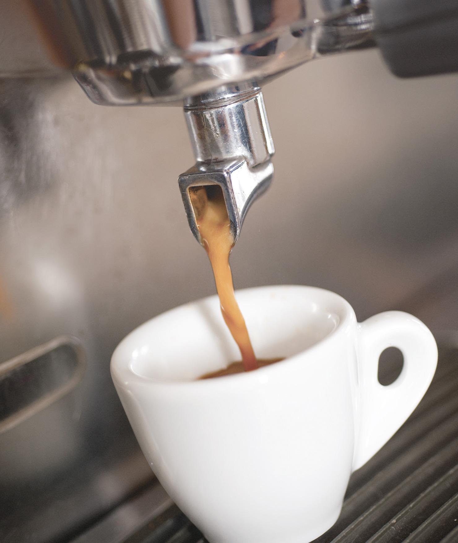 Filtro BRITA PURITY C Fresh C50 haciendo café