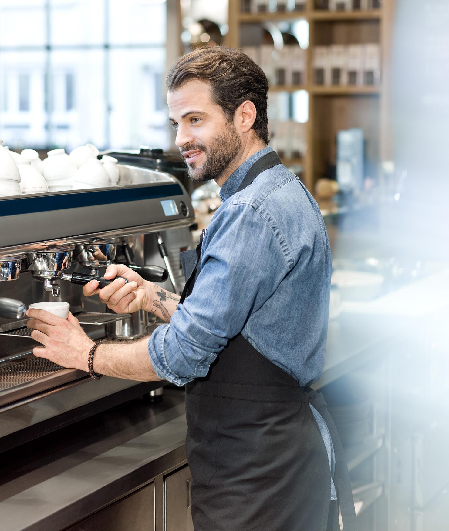 BRITA agua cafetería y panadería barista