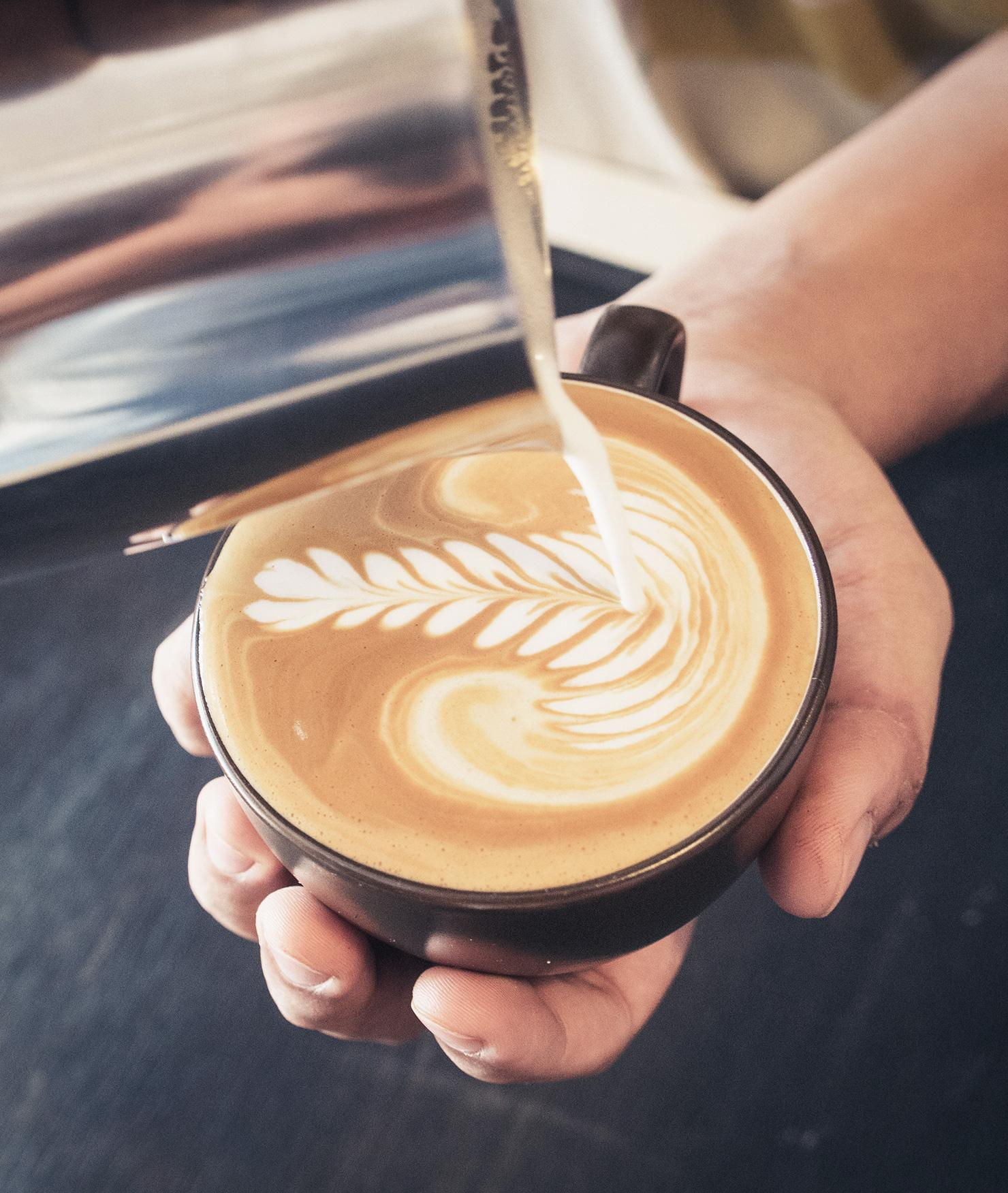 BRITA agua cafetería y panadería crema del café