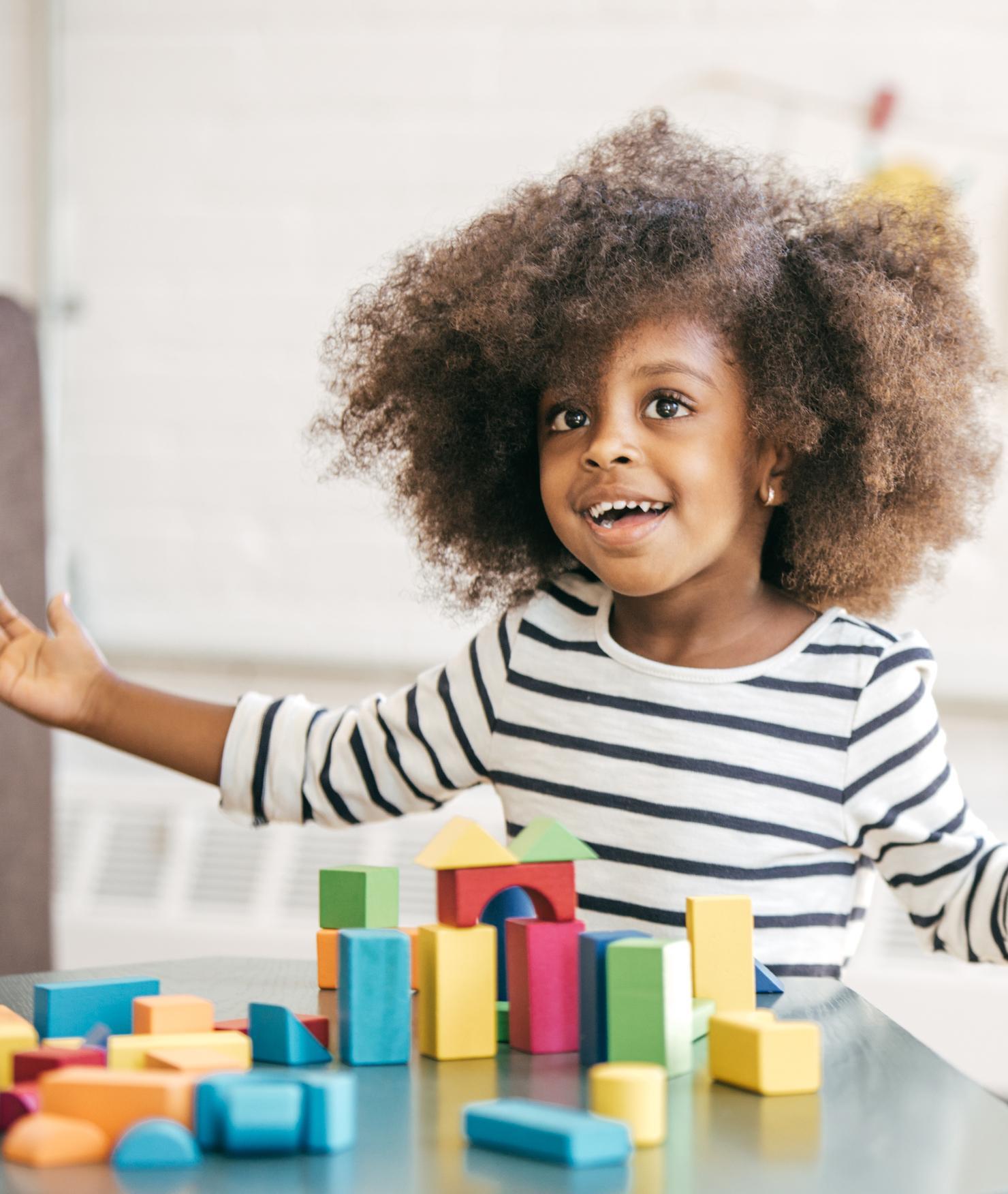 BRITA agua para escuelas – niña bloques de juguete