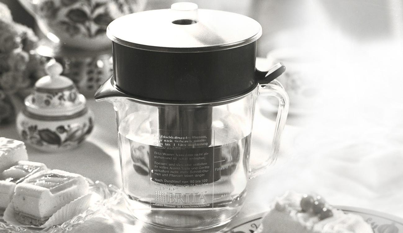 BRITA history first water filter jug