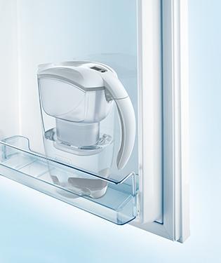 Elemaris ve dveřích chladničky