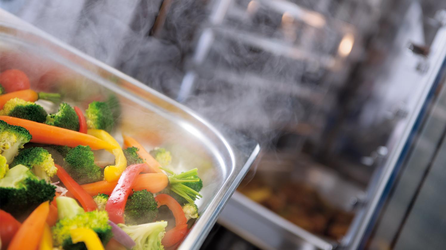 BRITA Wasser für Catering gedämpftes Gemüse