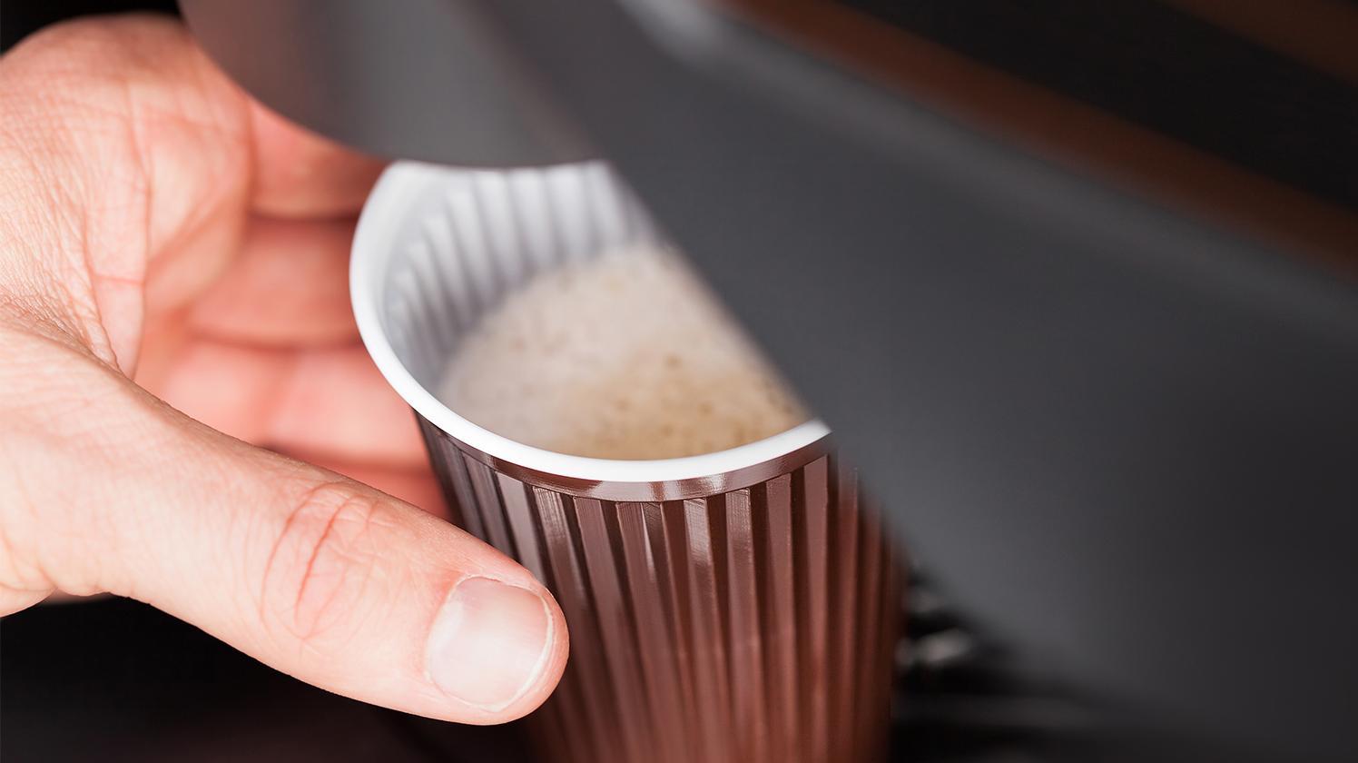BRITA eau appareil distribution auto café emporté