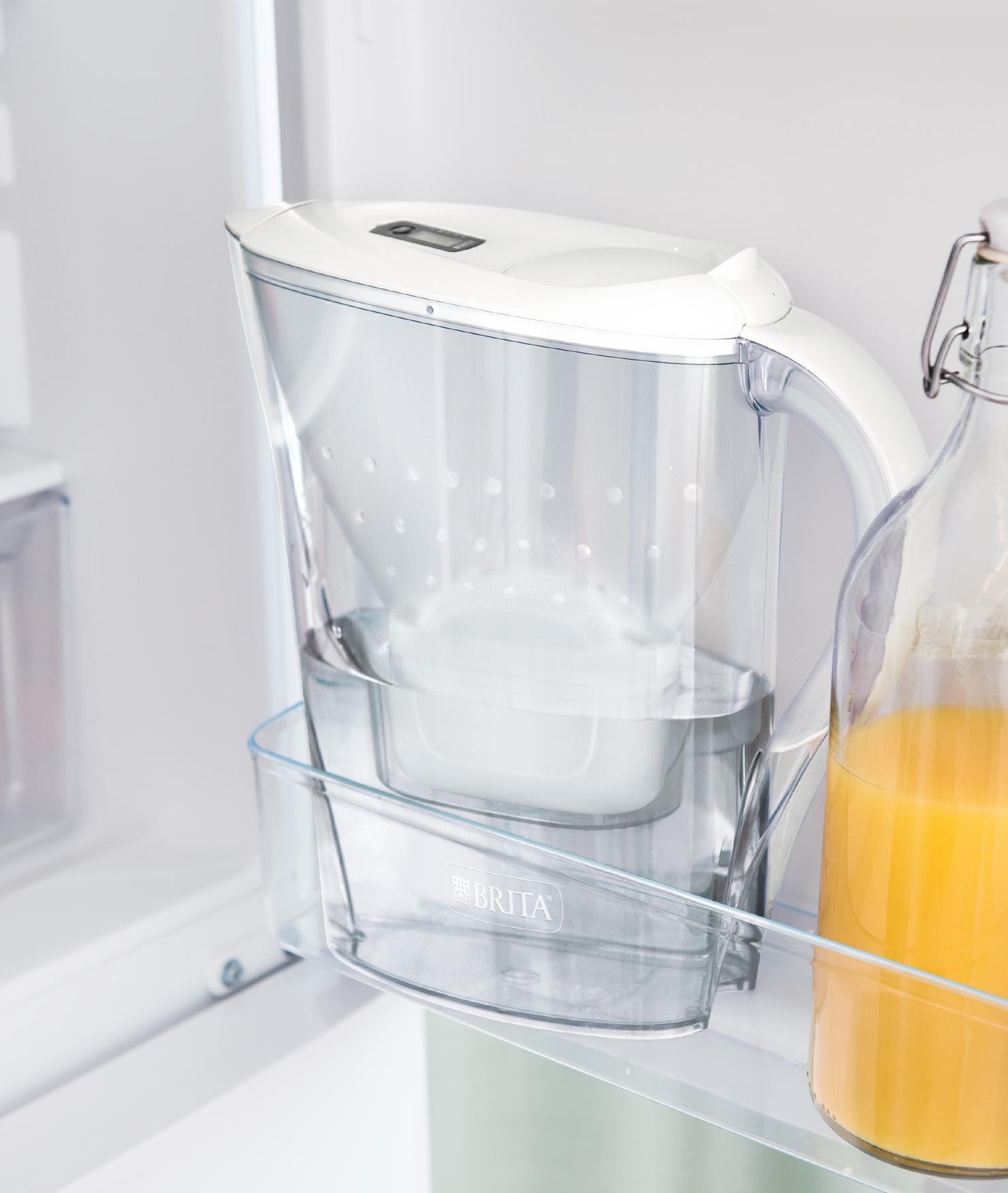 BRITA fill&enjoy Marella Cool white fridge door