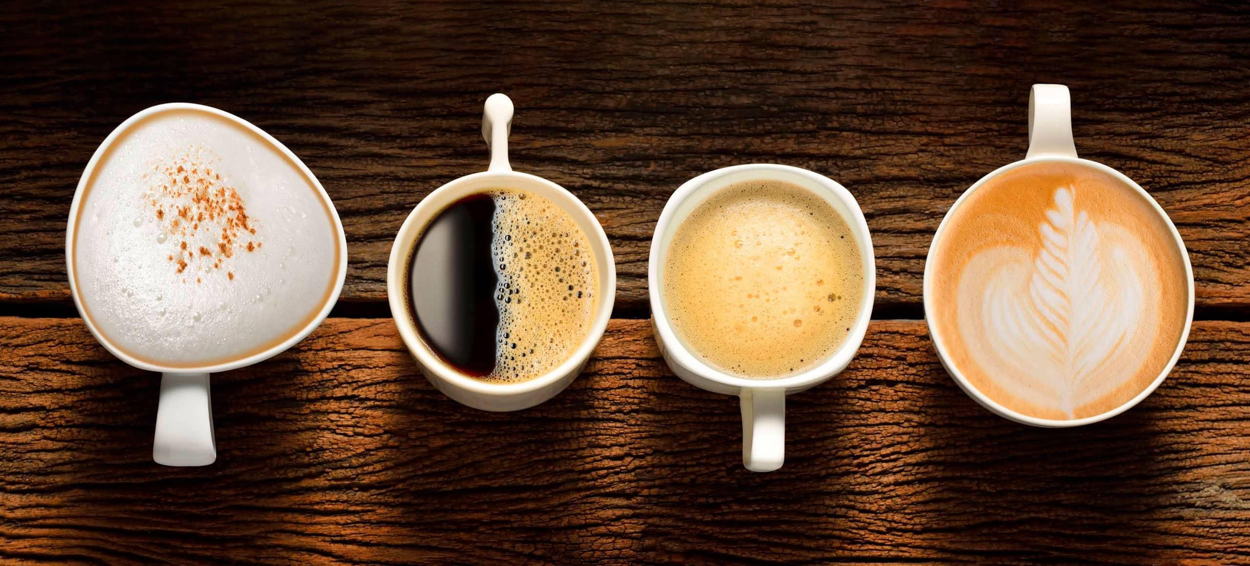 Vier Kaffee mit Crema