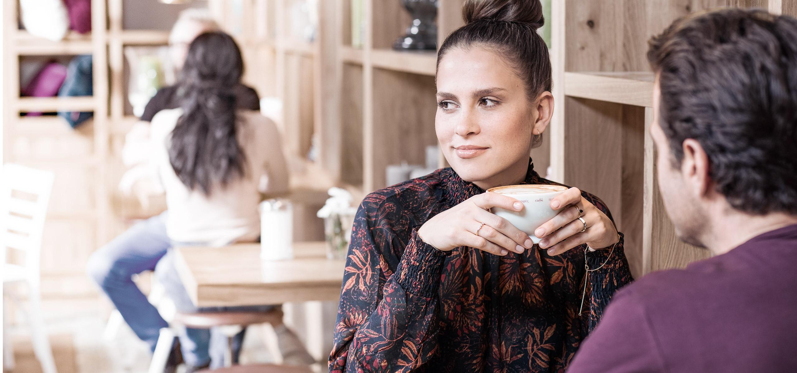 BRITA koffie stel drinkt koffie