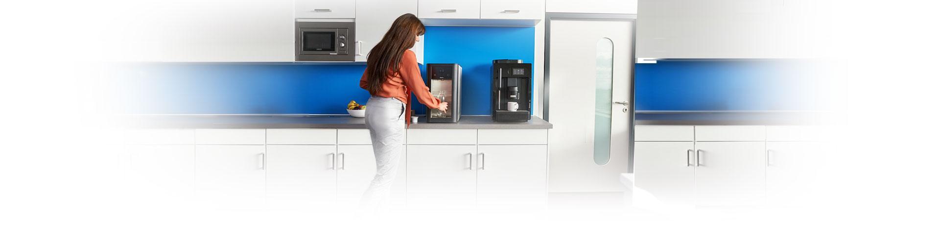 BRITA Wasserspender auf Küchen-Arbeitsplatte